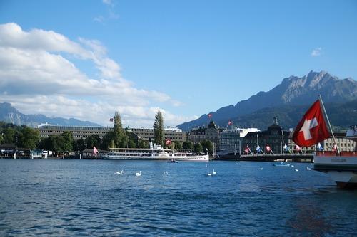 Szwajcaria zabrania obywatelstwa imigrantom żyjącym za socjal