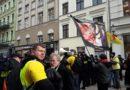 """,,Manifa"""" w Toruniu – Feministyczny i Antyfaszystowski margines zaatakował Pro-Liferów, policja nie reaguje"""