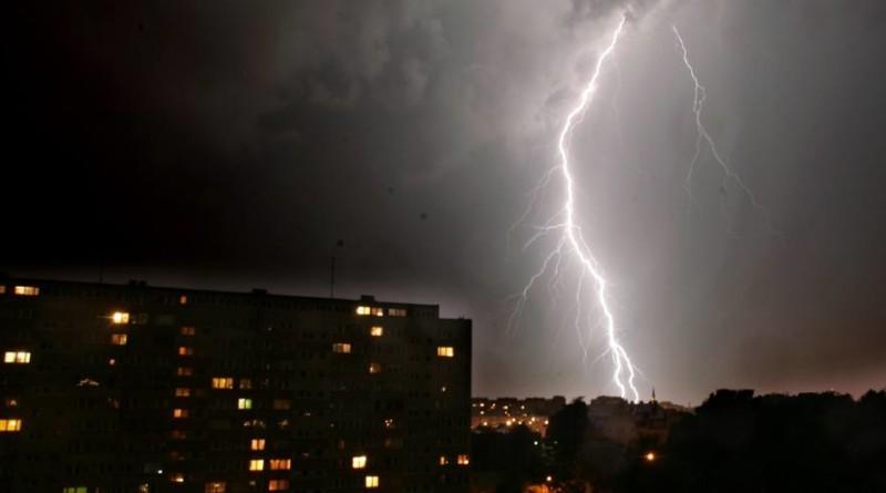 Bilans wczorajszej burzy: ludzie bez prądu i 10 osób rannych