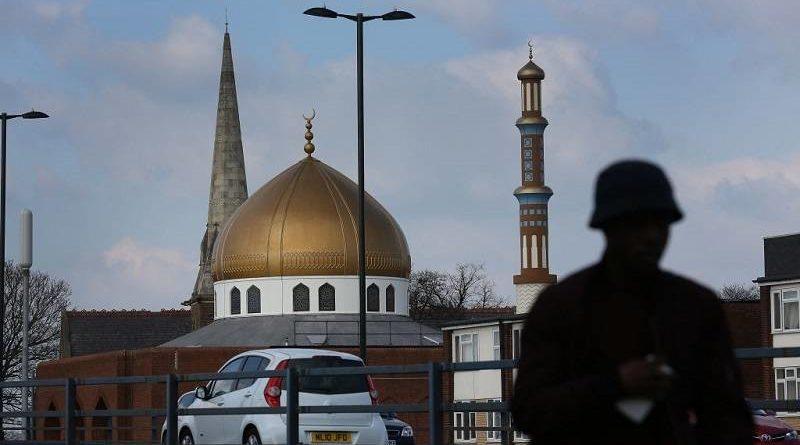 Dwa meczety w Birmingham ostrzelane z katapulty