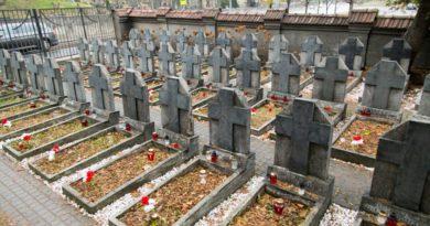 Marek Uziało: Akt wandalizmu Litwinów przed Świętem Niepodległości Polski