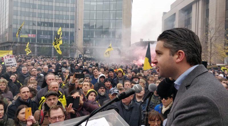 [WIDEO] Tysiące białych Belgów protestuje przeciwko proimigracyjnemu paktowi ONZ
