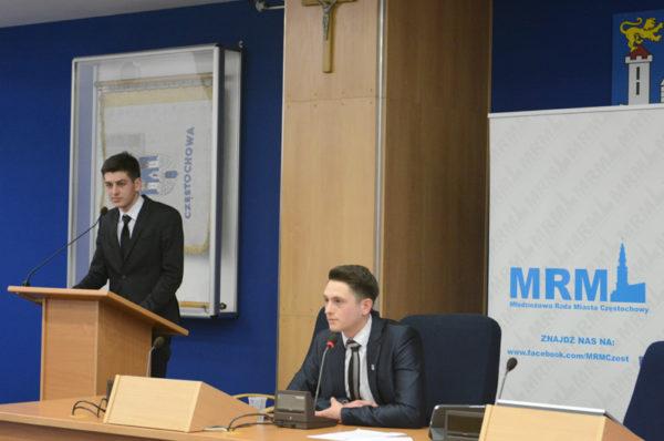 Skandal! Młodzieżowa Rada Miasta Częstochowy dyskryminuje za prawicowe poglądy! [ZDJĘCIA]