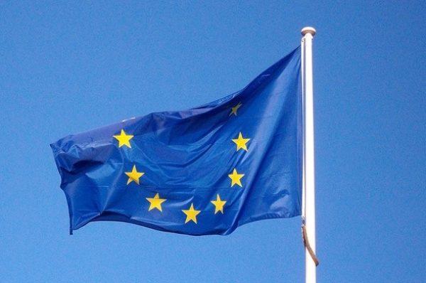 Wszechpolacy protestowali przeciwko PO. Nie chcą unijnej flagi przy Muzeum II Wojny Światowej