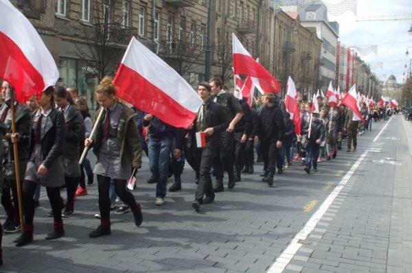 Litwa: ulicami Wilna przeszła Parada Polskości