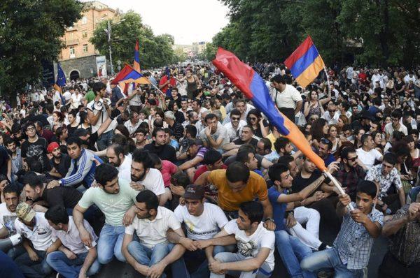 Szymon Wiśniewski: Pokojowa rewolucja w Armenii odniosła sukces – wola narodu została spełniona