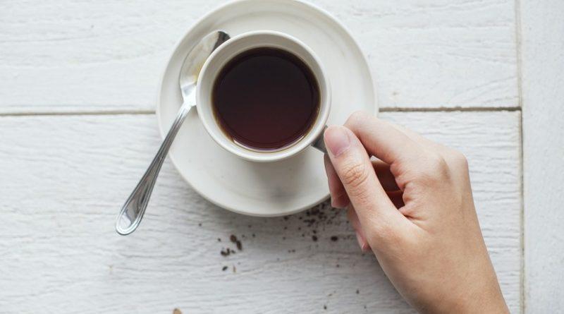 Dzieci kobiet pijacych kawe sa bardziej narazone na nadwage