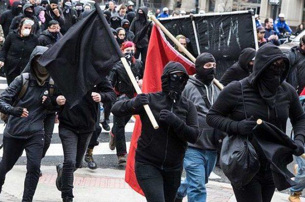 Walki uliczne pomiędzy Antifą a Turkami w Wiedniu