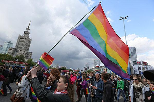 """Parada """"Równości"""" w Warszawie – doszło do profanacji"""
