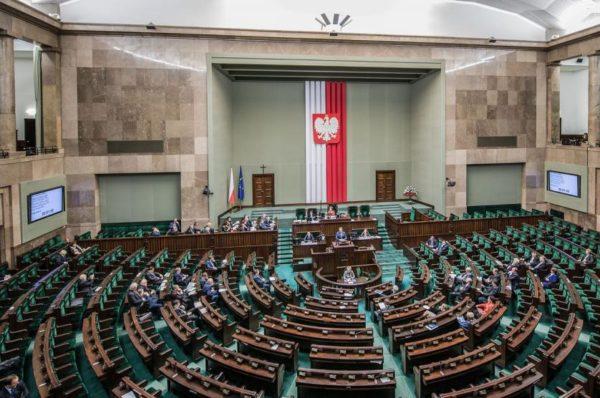 Przemysław Hołyst: Parlamentarny poziom dna