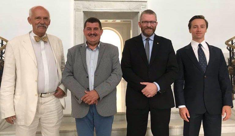 Podczas wczorajszej konferencji prasowej w Sejmie, liderzy Konfederacji poinformowali, że do ugrupowania dołącza nowa partia - Zjednoczenie Chrześcijańskich Rodzin.