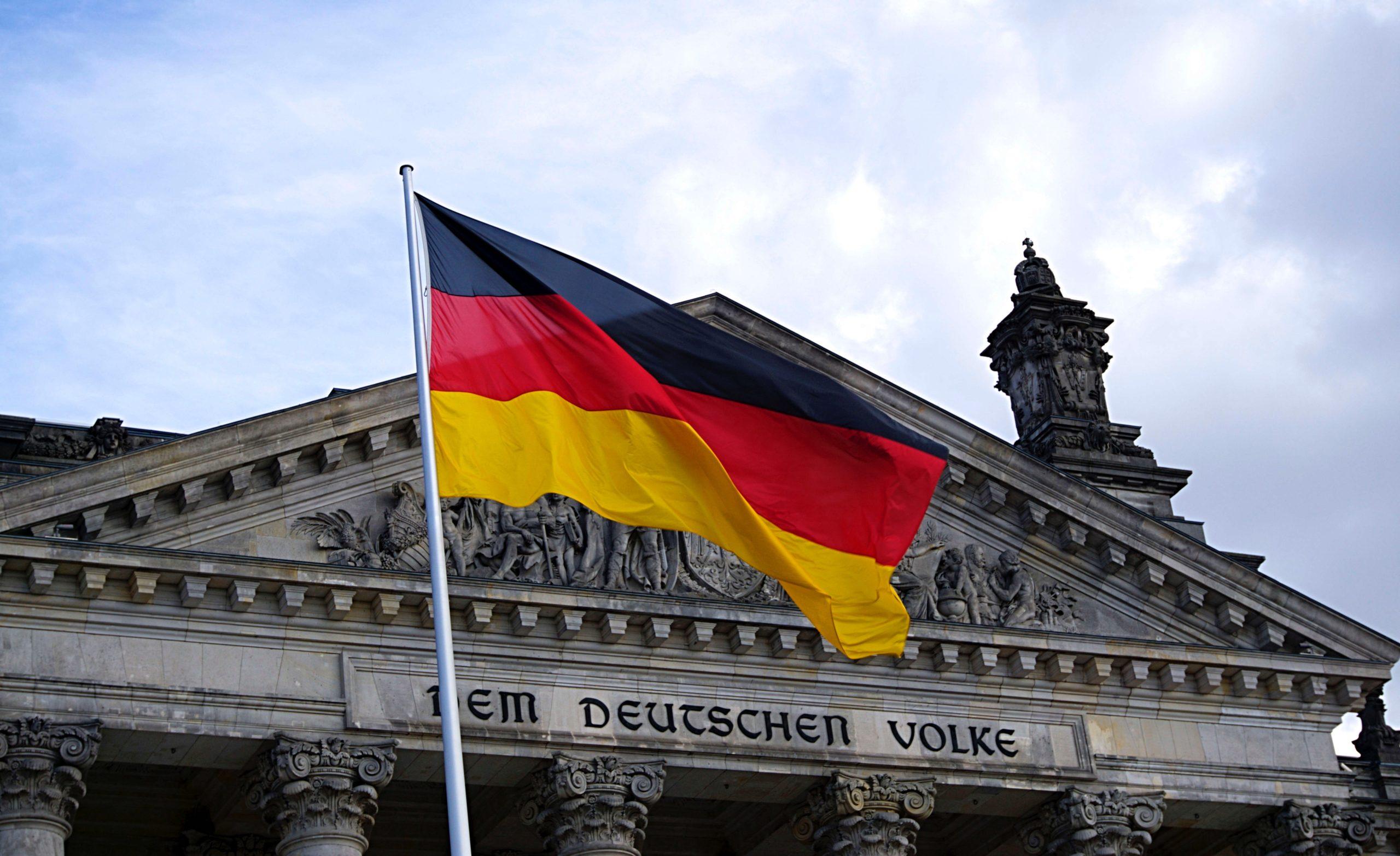 """Niemiecki ekspert przyznaje: """"Zbudowaliśmy Polskę jako kraj taniej siły roboczej"""""""