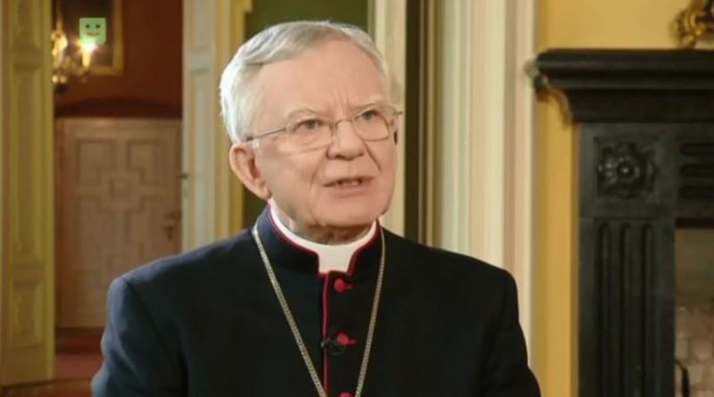 Arcybiskup Jędraszewski podczas rozmowy z telewizją