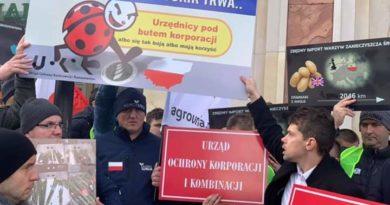 Protest rolników z Agrounii przed UOKiK – Chcą znakowania polskich produktów