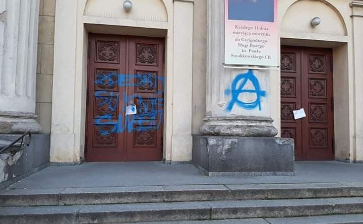 Poznań: anarchiści zniszczyli zabytkowy kościół na Wildze