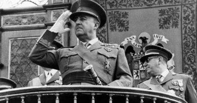 Dyskusje młodzieży o generale Franco – dla prawicy bohater, dla lewicy faszysta