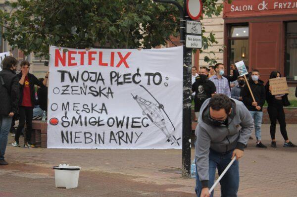 Wszechpolacy w Łodzi zorganizowali pikietę przeciw agresji LGBT