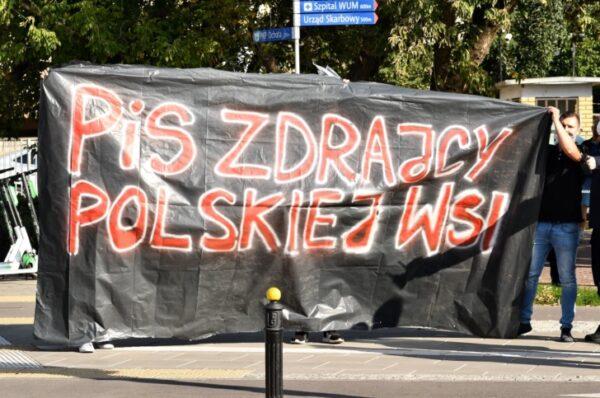 """Rolnicy protestowali w Warszawie przeciwko """"Piątce Kaczyńskiego"""""""