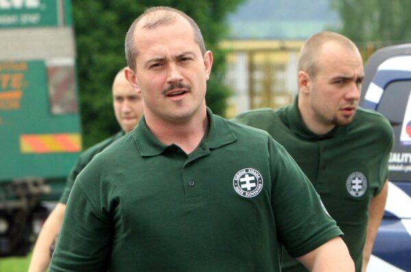 Kuriozalna decyzja sądu. Przywódca słowackich narodowców został skazany za... wypisanie czeków dla potrzebujących