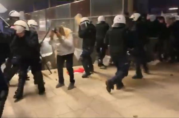 Brutalne działania policji wobec uczestników Marszu Niepodległości i dziennikarzy [+WIDEO/+FOTO]