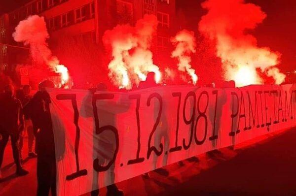 Kibice z całej Polski upamiętnili ofiary komunistycznego systemu