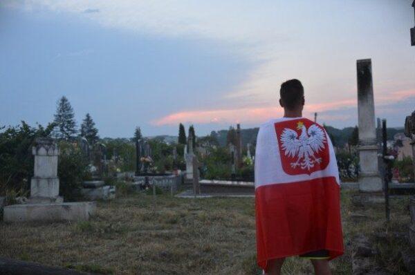 Polski cmentarz na Ukrainie potrzebuje ratunku