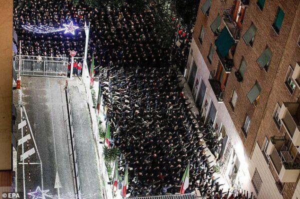 """""""Za wszystkich poległych towarzyszy!"""" - Acca Larentia 2021"""