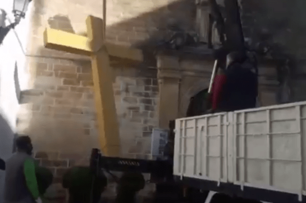 Hiszpania: W Andaluzji zniszczono krzyż stojący obok kościoła
