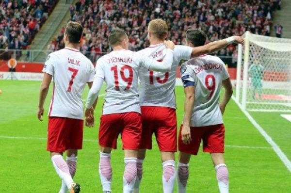 Polscy piłkarze uklękną w geście poparcia dla BLM? PZPN komentuje